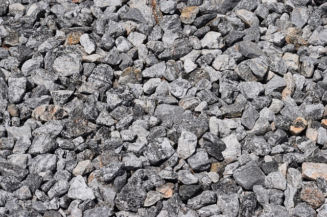 Rock Chip Repair >> How To Install A Gravel Driveway – Home Improvement Blog